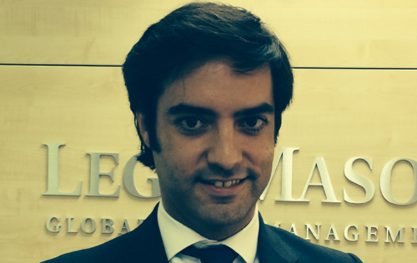 Primera actualizaci n del pimco total return bond fund for Oficinas kutxa barcelona