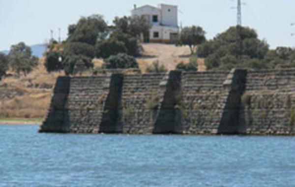 Resultado de imagen para diques de contención