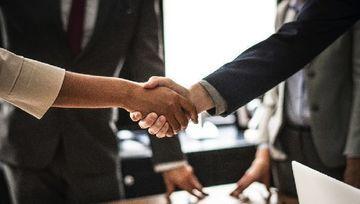 Cuánto confían los inversores en las industrias de servicios financieros
