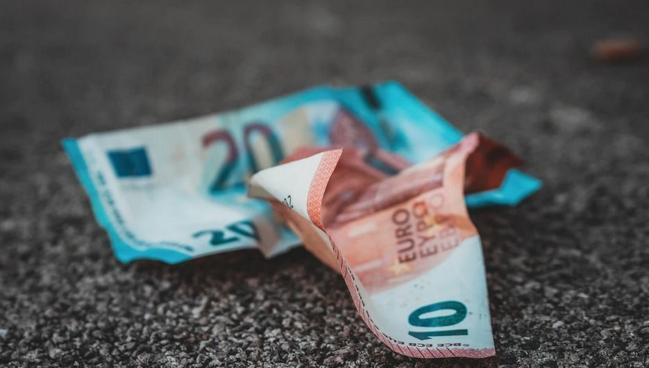 Depósitos y ahorro financiero: así ha sido su relación en las tres grandes crisis